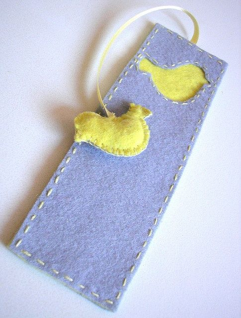 Awesome felt bookmark!  Would be great for kids too ...