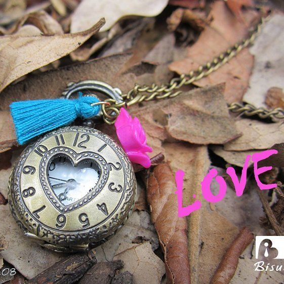 Feliz Día!! Puro amor... 💟💟💟#amoryamistad #felizdia #puroamor #detallesamoryamistad #detalles #relojvintage #relojdebolsillo #collarescolombia #collaresdemoda #vintage #reloj #relojes #accesorioscolombia #accesoriosdemoda #bohochic #bohostyle