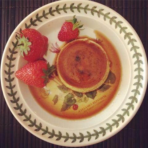 Foodolina: Laura's Coconut Crème Caramel