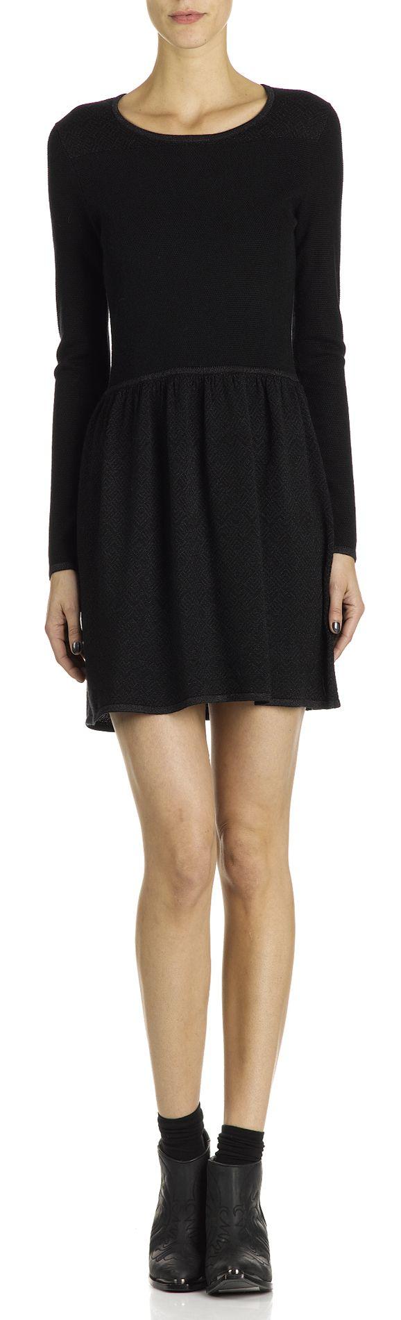 robe en maille noir des petits hauts femme boutique en ligne des petits hauts collection. Black Bedroom Furniture Sets. Home Design Ideas
