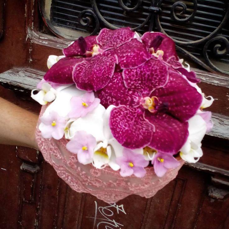 """1 aprecieri, 1 comentarii - Floraria Dorothy's (@florariadorothys) pe Instagram: """"For a pink dress.. #bridebouquet #cluj #clujlife #clujnapoca #clujcenter #lifeincluj #viataincluj…"""""""