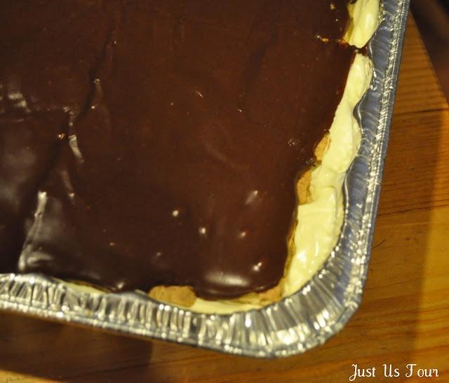 Just Us Four: Recipe: Chocolate Eclair Cake