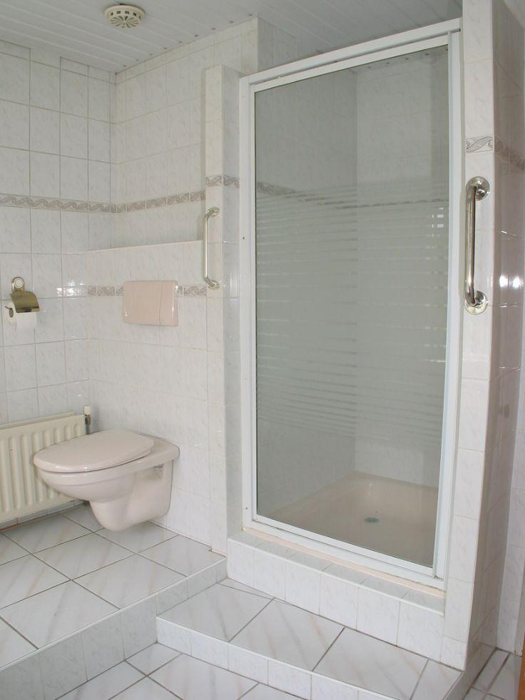 en uiteraard douchecel en 2e toilet