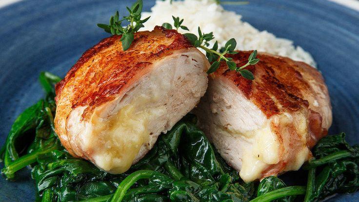 Smørdampet spinat er et smakfullt og supersunt tilbehør til kylling som er ferdig på et blunk!