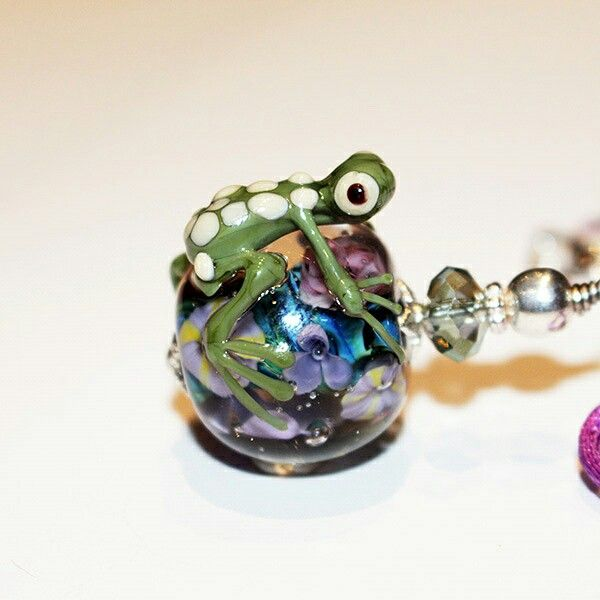 Froggie and Flower Pendant. Hand made from Murano Glass. Lampwork.