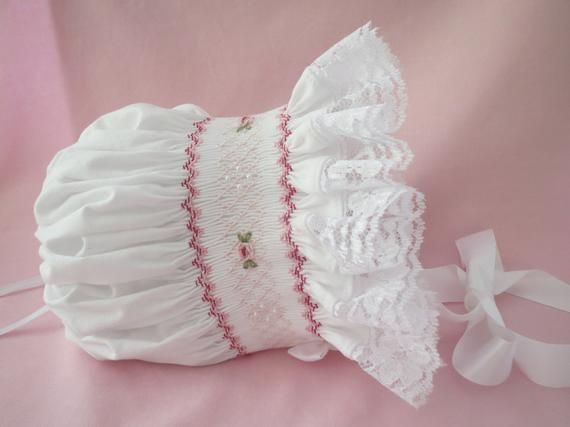 CHRISTENING BAPTISM WHITE LACE BABYS BONNET WITH RIBBON TIES