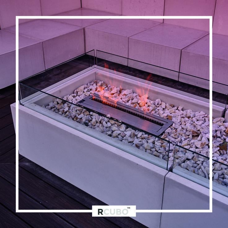 Mesa de centro en cemento granítico RCUBO color Marfil, con quemador de etanol incorporado y de crecimiento modular