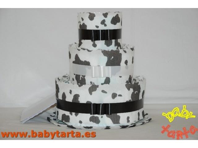 Baby Tarta VACA- 3 pisos  http://www.babytarta.es/tartas_de_panales/tarta_panales_3_pisos/vaca_3_pisos