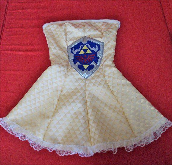 Legend of Zelda Hylian Shield Dress on Global Geek News.Strapless Dresses, Nerdy Stuff, Legends Of Zelda, Geek Fashion, Geek Awesome, Triforce Dresses, Zelda Dresses, Geeky Stuff, Awesome Stuff