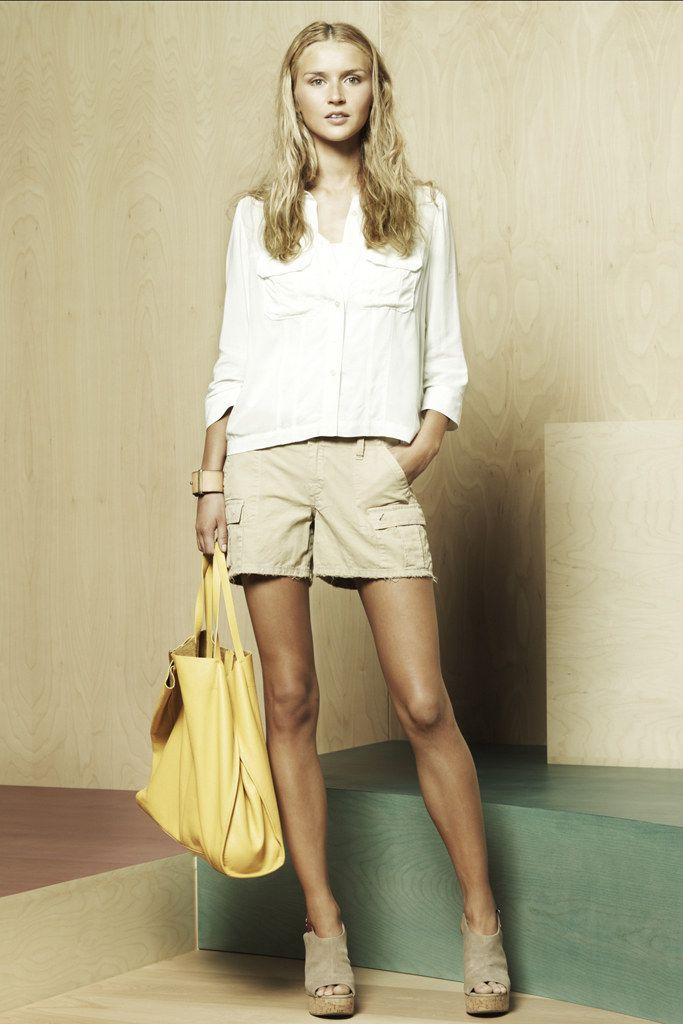 Jennifer-Aniston-Feet-921618.jpg 1.778×3.000 pixel | Jennifer aniston legs, Jennifer aniston hot