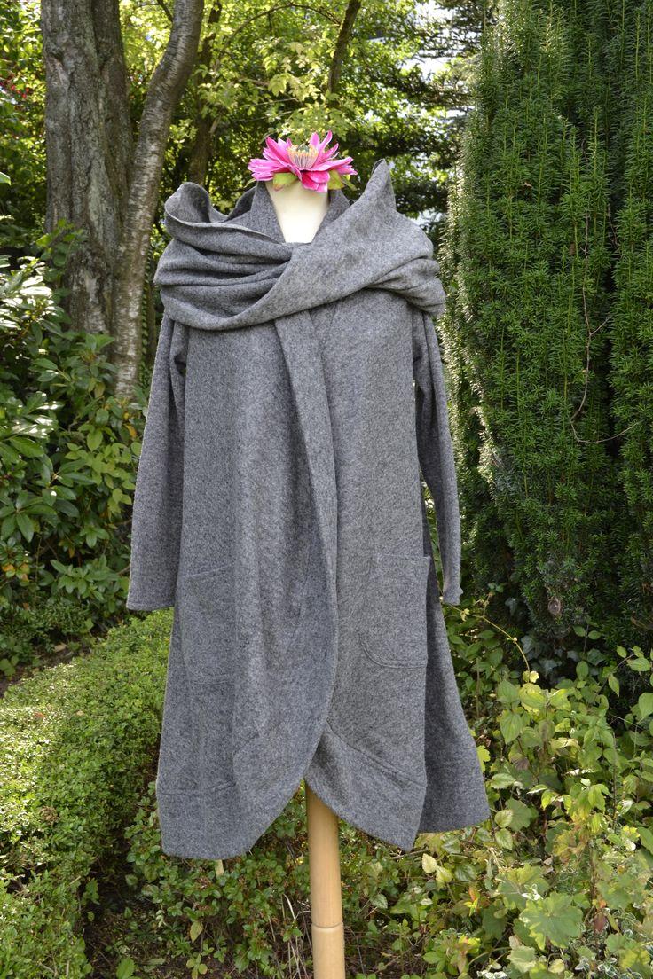 Mantel mit Schal