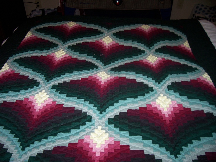 89 best Amish quilts images on Pinterest | Quilting ideas ... : amish quilt wall hangings - Adamdwight.com