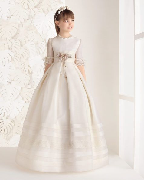 Vestido comunión clásico rústico, en color marfil.