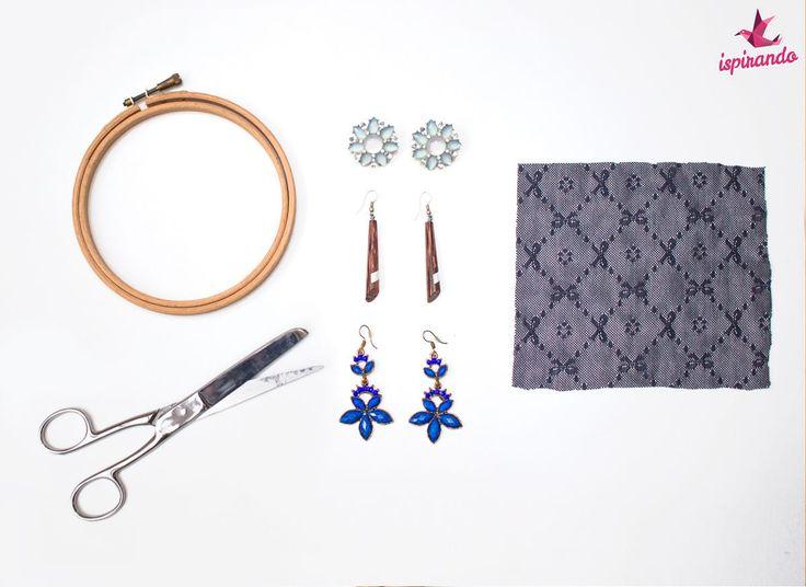 Come creare un porta orecchini fai da te con il riutilizzo di un telaio in legno; un'idea pratica e veloce per organizzare i nostri piccoli accessori!