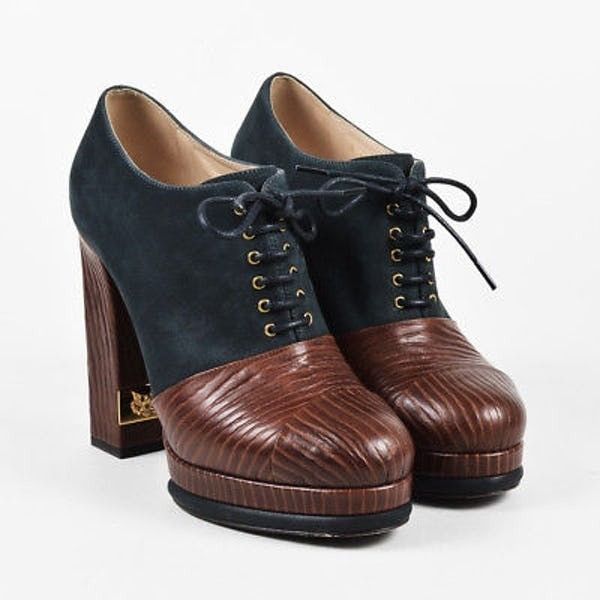 Chanel Fall 2014 Blue & Brown Nubuck Textured Lace Up Platform Booties... (€505) ❤ liked on Polyvore featuring shoes, boots, ankle booties, blue boots, lace up platform booties, lace-up platform boots, platform booties and chanel boots