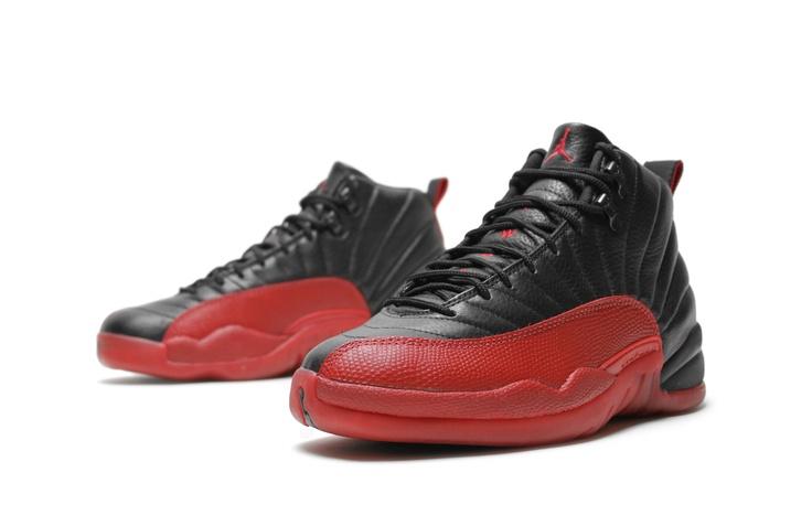 Air Jordan 12 Black/Varsity Red