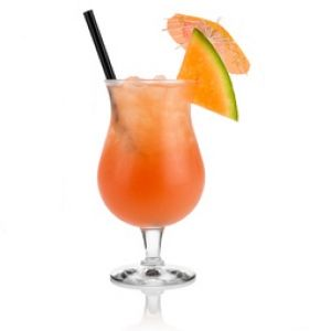 Recette cocktail Salty Dog : http://www.cocktailmag.fr/recette-cocktail/vodka/salty-dog #cocktail #vodka #saltydog