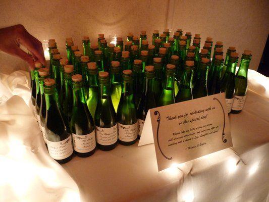 Mini-Wine Bottles For Wedding Gifts : wine bottle favors mini wine bottles wine bottle wedding decor favors ...