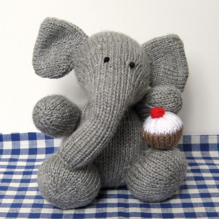 Easy Elephant Knitting Pattern : 27 best images about Knitting on Pinterest Circular knitting needles, Yarns...