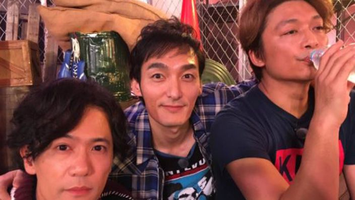 This weekend saw the big pseudo-debut of Atarashii Chizu, a new collective featuring Goro Inagaki, Tsuyoshi Kusanagi and Shingo Katori, formerly of J-pop group SMAP. And they re-emerged in attention-grabbing fashion; the three starred in a 72-hour-long livestream on online television channel AbemaTV.
