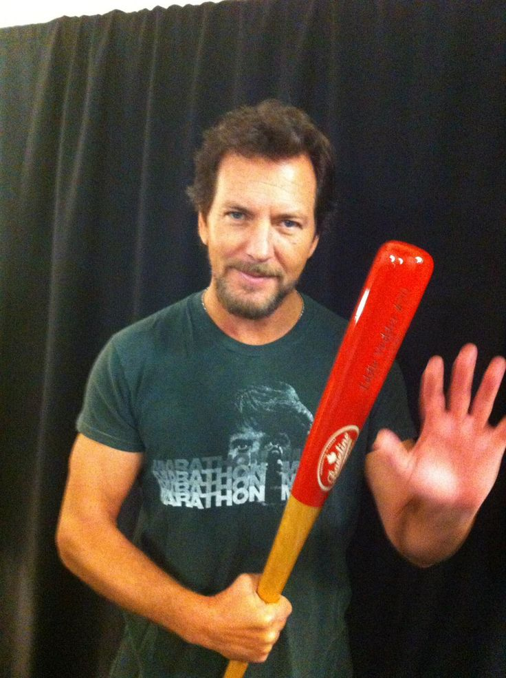 .@Burke_FM: From @WesterveltLDN #SchoolOfRock today Eddie Vedder is the @Cubs fan all over TV with pencil & scorecard