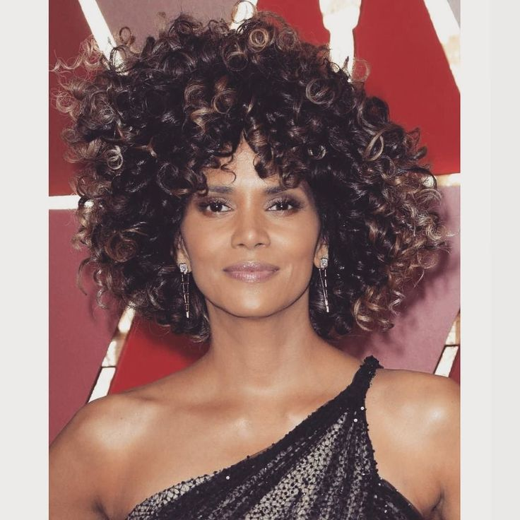 Halley Berry #sexiest #woman #hollywood #oscars #afro #curls #beauty #thatface #female