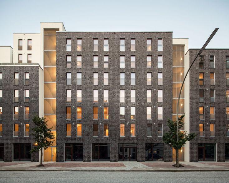 AUSZEICHNUNG   Wohnungsbau / Mehrfamilienhäuser: Studentisches Wohnen am Schellerdamm, limbrock ·…