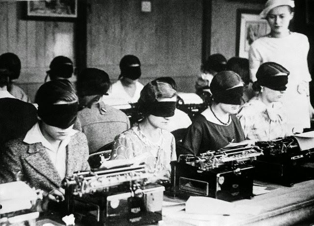 vintage everyday: Blindfolded Typing Competition in Paris, ca. 1940