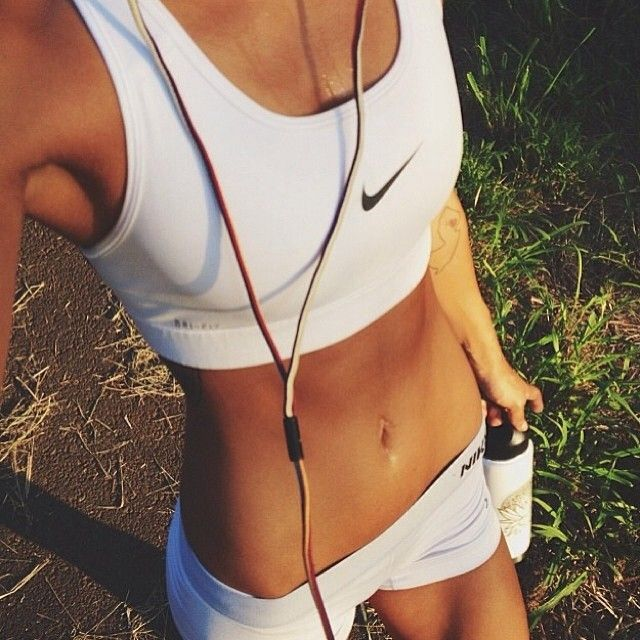 nike. ♡ run #fitspo goals // can i have a pair of those hipbones PLEASE?