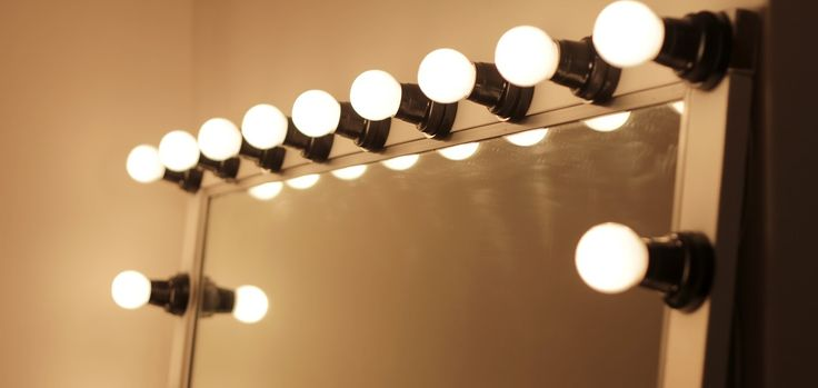 Des idées pour se fabriquer un miroir lumineux pour votre coiffeuse !