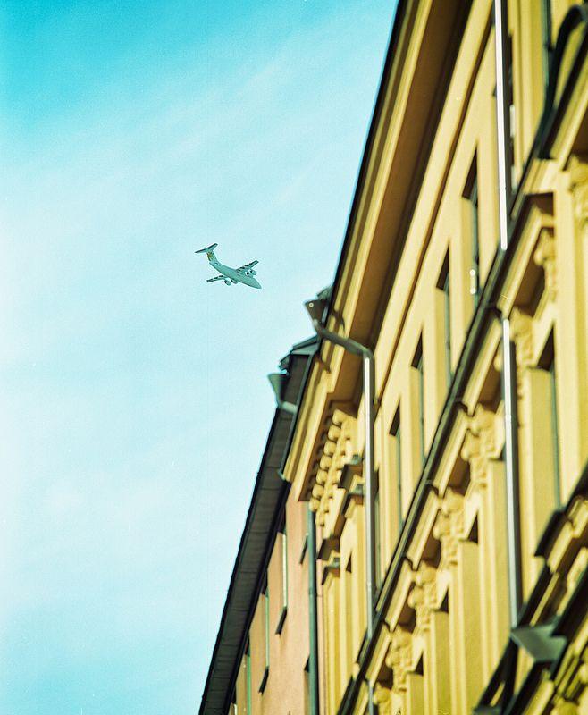 Mot Bromma! Captured this standing on Bondegatan in Stockholm.