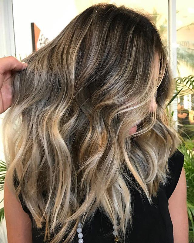 Blonde Avelã Perolado #summertime #romeufelipe #equipe #hairstyle