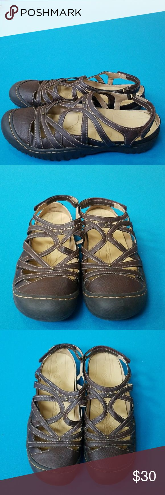 J-41 Jeep engineered hiking water SHOES WOMENS 11 Excellent pre-owned condition.  Vegan/textile upper.  Size 11.  Jeep engineered sole traction J-41 Shoes Sandals