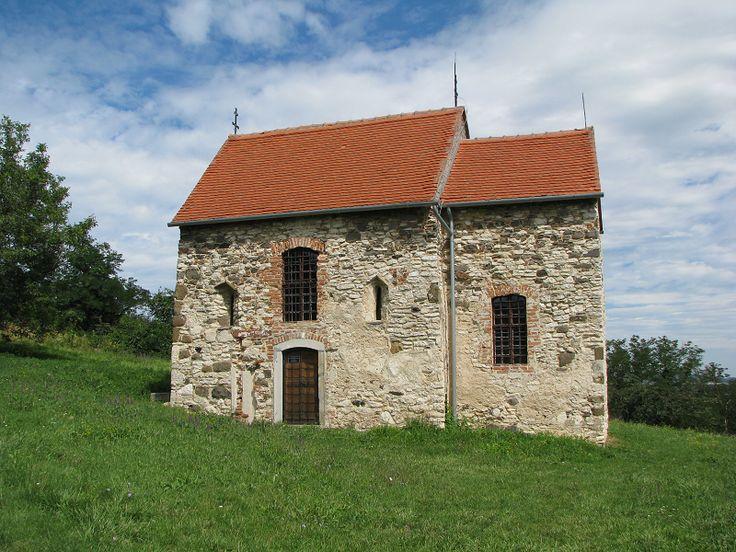 Szent Kereszt-kápolna (Kisapáti közelében 0.4 km) http://www.turabazis.hu/latnivalok_ismerteto_1175 #latnivalo #kisapati #turabazis #hungary #magyarorszag #travel #tura #turista #kirandulas