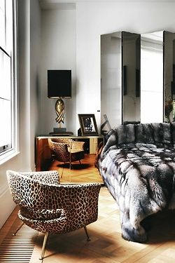 Feelin' the fur.: Faux Fur, Colin Radcliffe, Colin O'Donoghu, Fur Throw, Interiors Design, Master Bedrooms, Leopards Prints, Animal Prints, Leopards Chairs