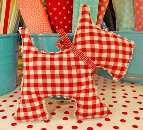 free felt dog patterns | scottie dog giveaway in celebration of giving