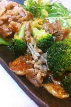 豚バラ薄切り肉とブロッコリーのミゾレ炒めの画像