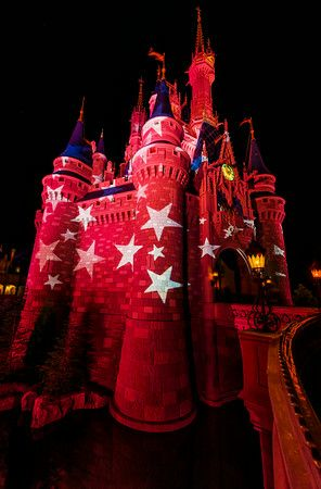 Tips for a great Fourth of July at Walt Disney World (plus other suggestions for summer crowds and heat).