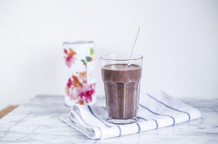 koktajl-bananowo-kakaowy-z-nasionami-chia-s