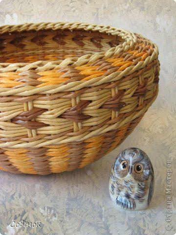 Поделка изделие Плетение Весенние поплетушки Бумага газетная Трубочки бумажные фото 3