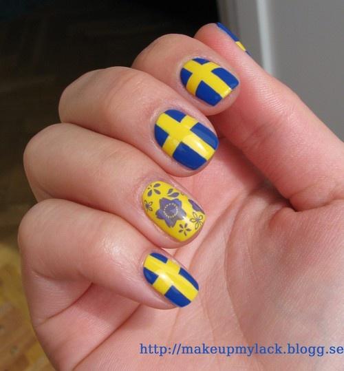Sweden flag nail art by MakeupMyLack - sminkblogg / nagelblogg