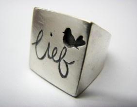 Die ding in die wereld wat ek die heel meeste wil he.....'n lady peculiar ring!!