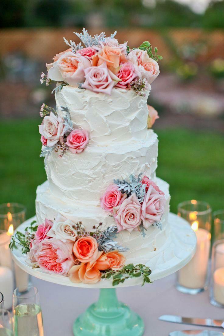 Wedding cake with fresh florals