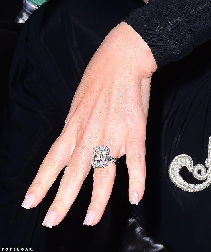 See Photos of Mariah Carey's Blindingly Gorgeous 35-Carat Engagement Ring