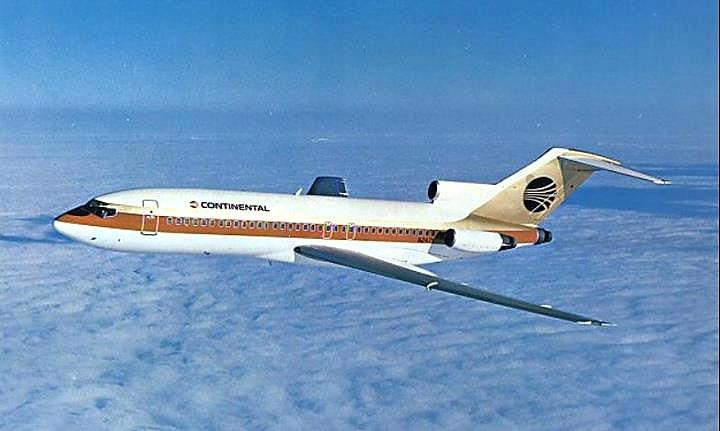 """Continental Airlines B 727 """"meatball"""" logo"""