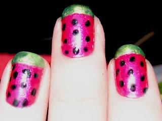 para hacer con los decoradores de uñas