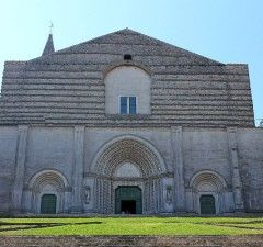 What to visit in Umbria?  https://www.roseinthewind.com/hobby-tempo-libero/scoperta-dellumbria-todi-orvieto
