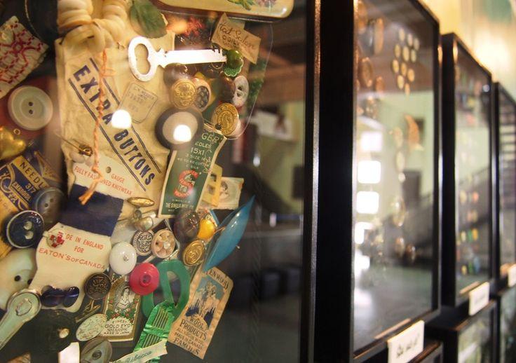 Revivez les tendances accessoires de Belle-Epoque jusqu'aux années 50 au Musée du costume et du textile du québec. Entrée gratuite http://mctq.org/fr/babillard/inauguration-de-lexposition-musee-pret-a-porter/