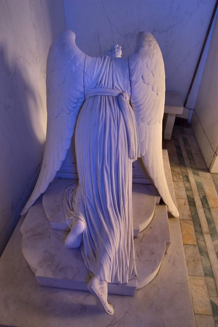 New Orleans cemetery angels