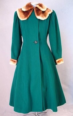 Couture Allure Vintage Fashion: Princess coat - 1940's. There should be more green coats in this world.